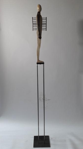 Escultura fusta i ferro_2